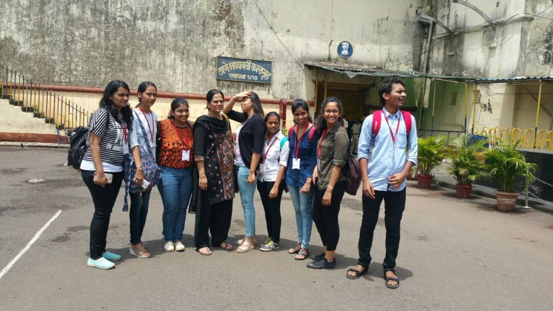 Students of NMCCE at Thane Central Jail